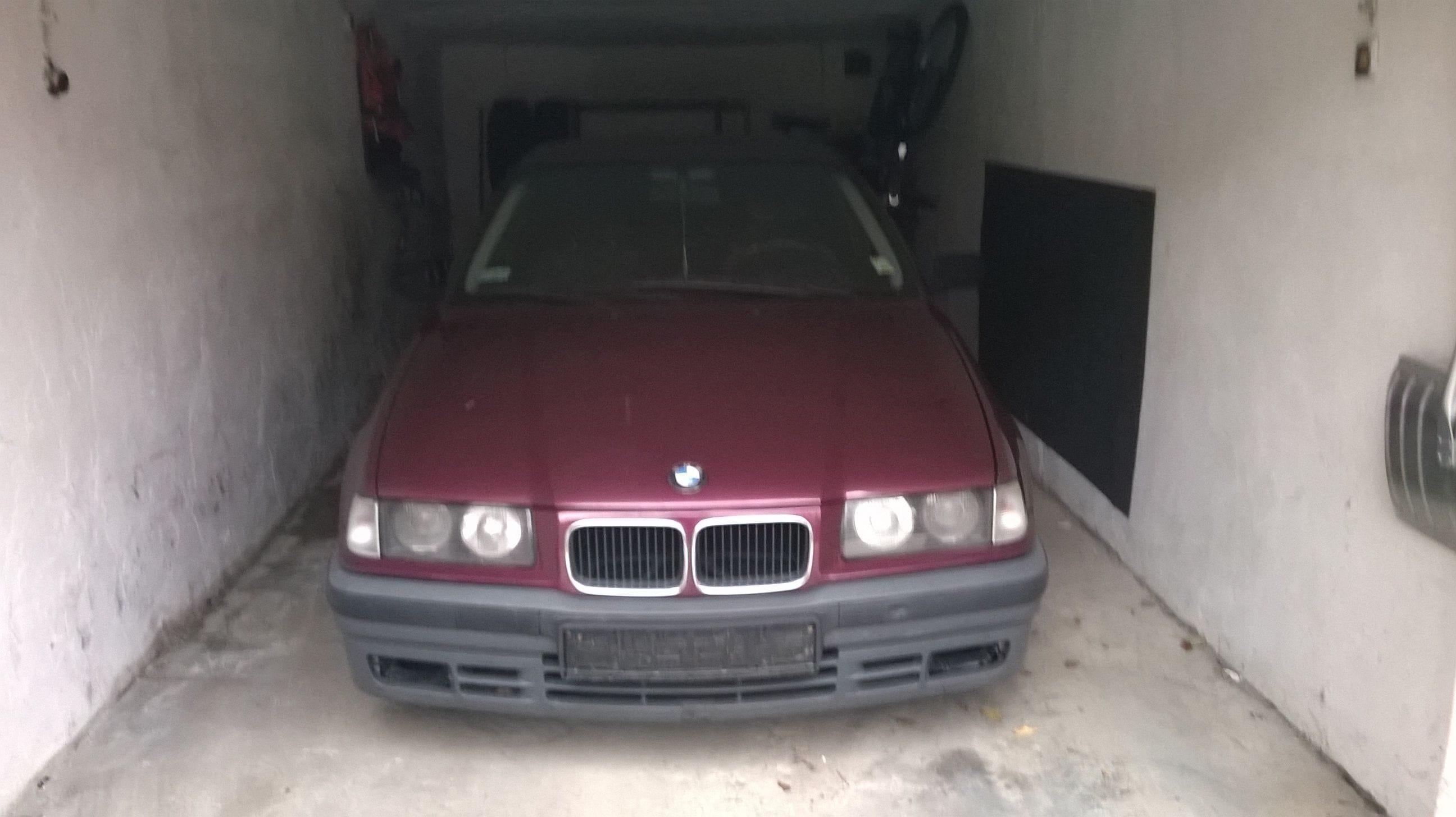 Nowy wóz na podwórku!