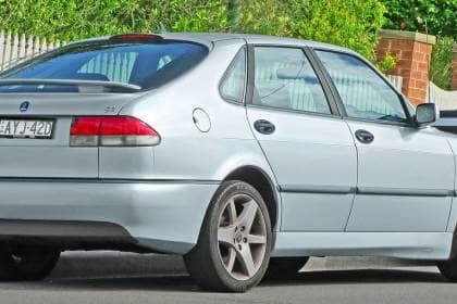 2002_Saab_9-3_Aero_5-door