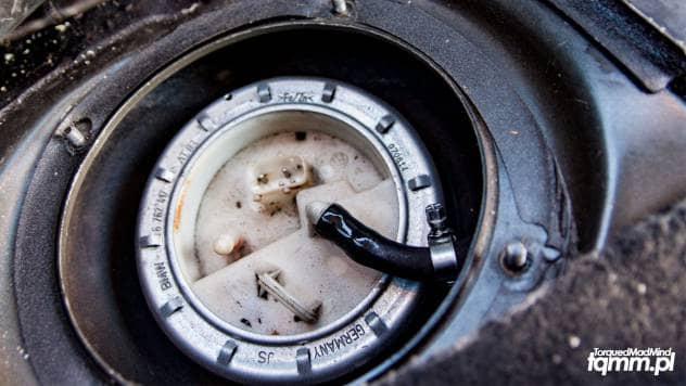 wymiana pompy paliwa w E46